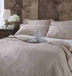 lille taupe bedspread