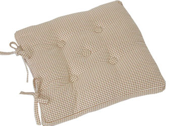 auberge buttoned seat pad biscult